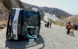 12 die in bus-truck collision