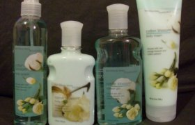 Bath and Body Works Cotton Blossom